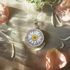 GemsArt Pendant : Daisy, Flower of Love Collection 25 mm.