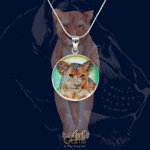 GemsArt Pendant : Lion Cub, Wild Life Collection 25 mm.